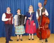 """Das Ensemble """"Vierklang"""" mit von links: Manfred-Andreas Lipp, Stefanie Saule, Heike Mayr-Hof und Rudolf Heinle."""