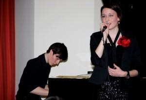 """""""My funny Valentine"""" - Julian Schmidt und Eva Sing – junge Künstler aus der ReGy-Bigband Wertingen interpretierten diese Jazzballade mit erstaunlicher Professionalität."""